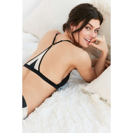 Out From Under Alina Racerback Bra UO38137618 BLACK
